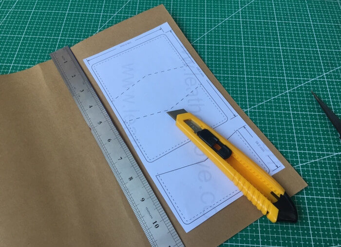 making leather template (11)
