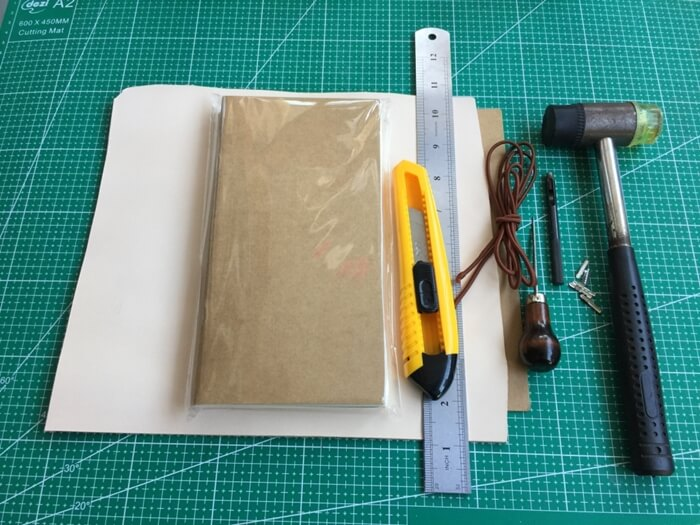 Make a Midori Traveler's Notebook (1)