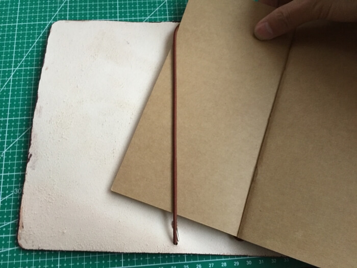 Make a Midori Traveler's Notebook (39)