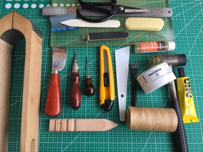 make a leather wallet tools
