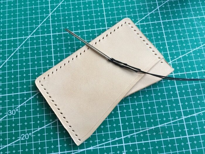 make a leather card holder (20)