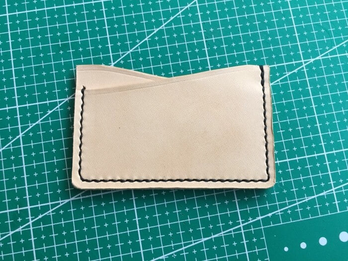 make a leather card holder (22)