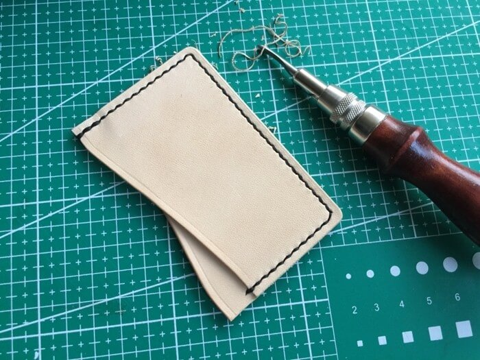 make a leather card holder (23)