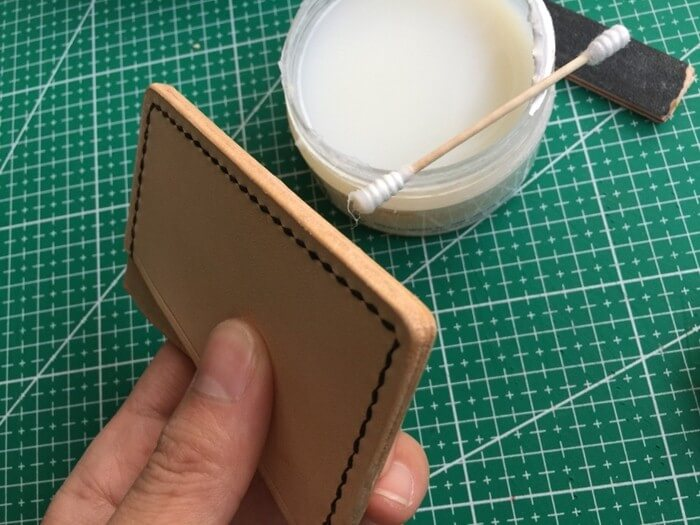 make a leather card holder (25)
