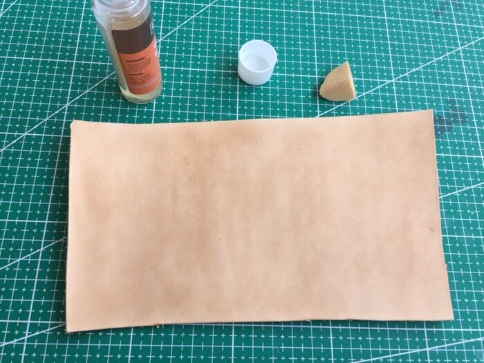 make a leather card holder (3)