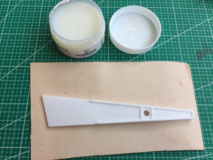 make a leather card holder (4)