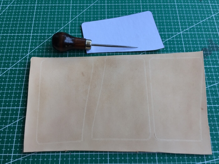 make a leather card holder (6)
