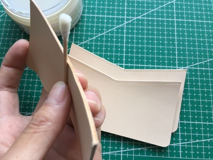 make a leather card wallet (18)