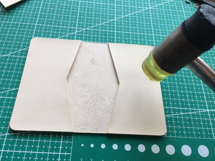 make a leather card wallet (25)