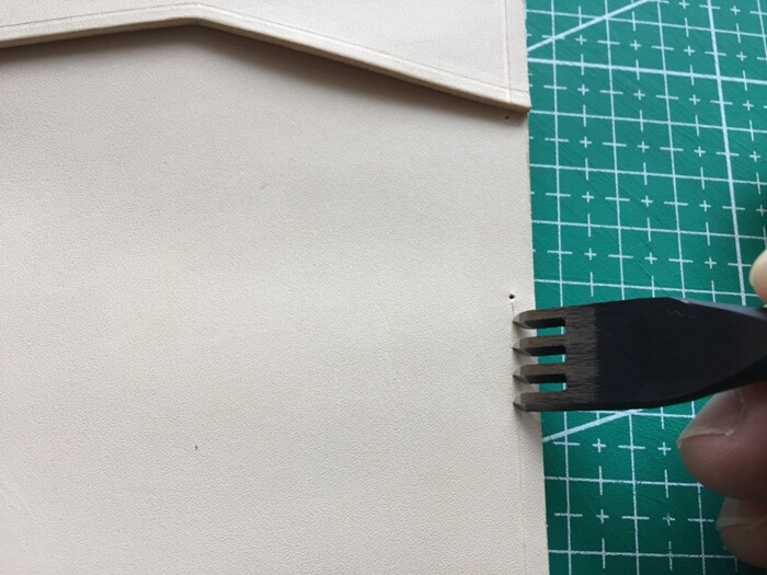 make a leather card wallet (36)