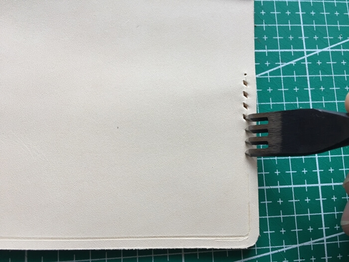 make a leather card wallet (37)