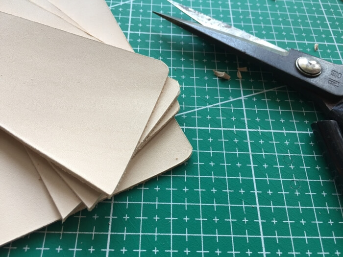 make a leather card wallet (8)