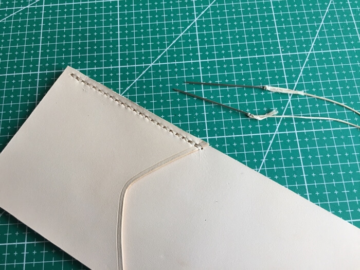 make a leather wallet (14)
