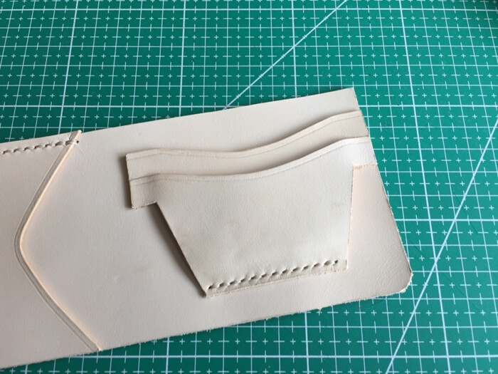 make a leather wallet (18)